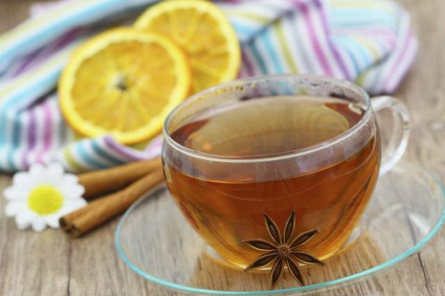 Aprenda a fazer chá utilizando cascas de laranja e abacaxi