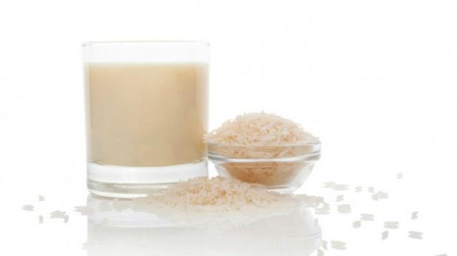 Aprenda a fazer leite de arroz caseiro