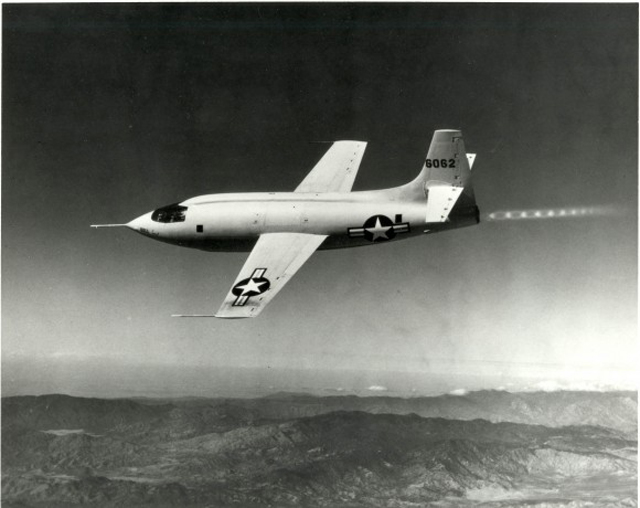 Chuck-Yeager-Breaks-the-Sound-Barrier-640