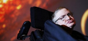 Stephen Hawking adverte a humanidade para se preparar contra possível ameaça alienígena