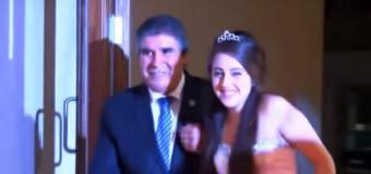 Debutante que recebeu coração dança valsa com pai da doadora