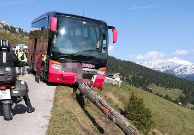 turista-bus-salva-close